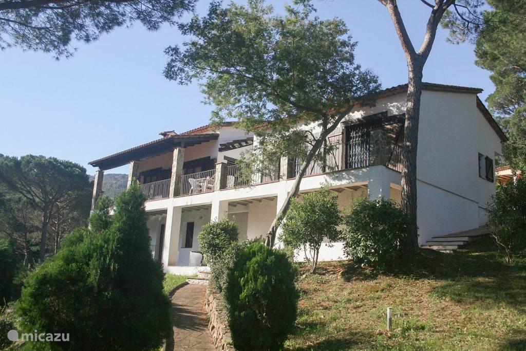 Achterzijde villa Adelfa