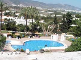 Gemeenschappelijk zwembad op 50 meter afstand