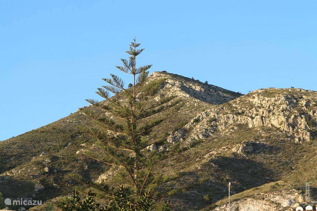 ...als richting Monte Calamorro, onze huisberg.