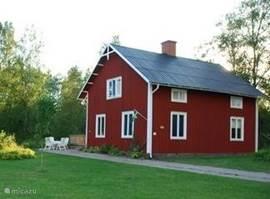 De woning beschikt over een zeer ruime tuin van ruim 3500 m2