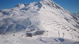 In Montafon there are many relatively new lifts. There are little to no drag lifts except the practice slopes. The fun of Montafon is that you visit different areas with a total of more than 240 km of ski runs.