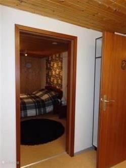 Dit is de 2e 2 persoons slaapkamer Bed is 1.60 x 2.00 Er ligt een groot lits jumeaux dekbed op..