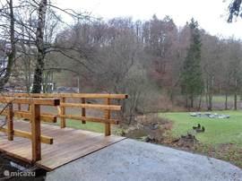 mooi aangelegde park in Usseln naast de villa gelegen