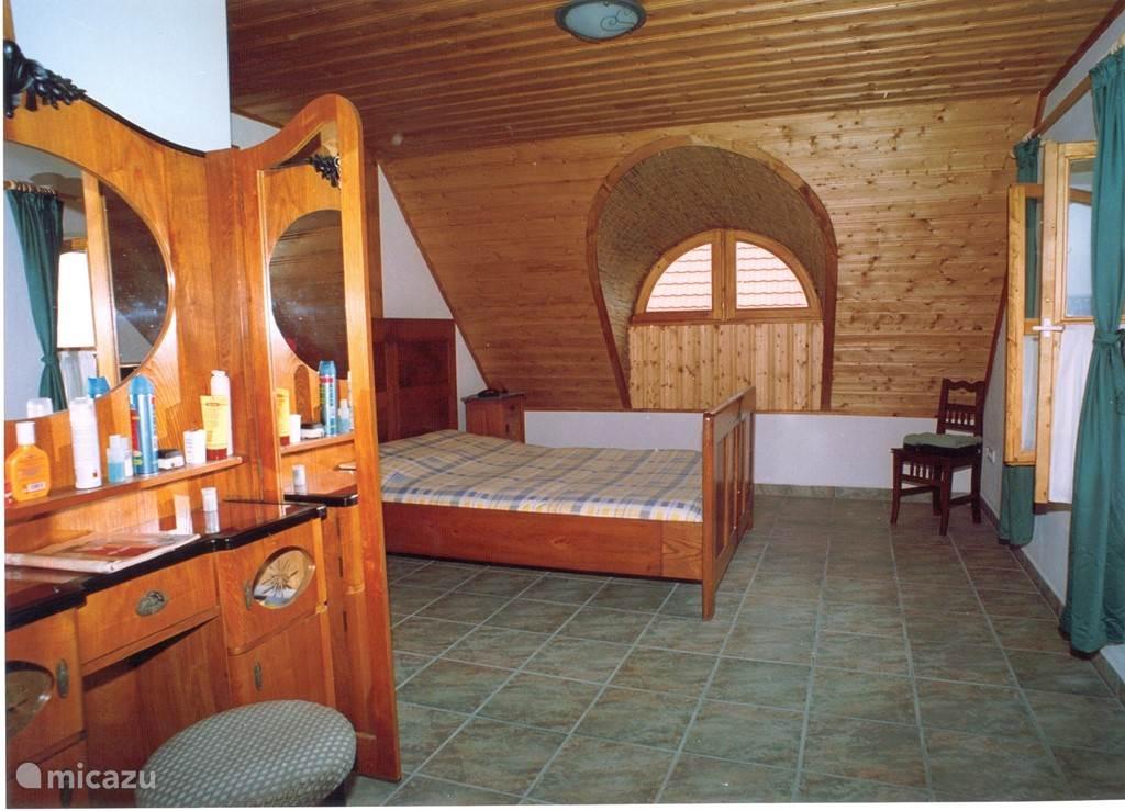 Grote voorste slaapkamer met schitterend uitzicht op het Balatonmeer
