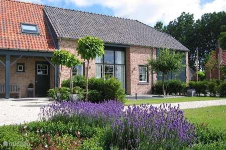 Vacation rental Netherlands, Zeeland, Lock holiday house Hof 't Suytsant