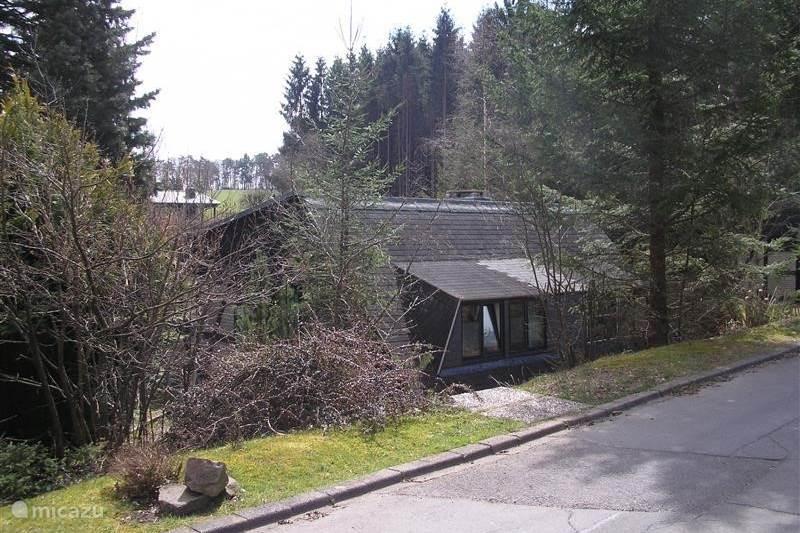bungalow bungalow gerolstein in gerolstein eifel deutschland mieten micazu. Black Bedroom Furniture Sets. Home Design Ideas