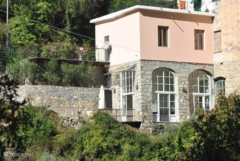 Vakantiehuis Italië, Ligurië, Airole - vakantiehuis Casa La Fucina