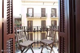 knus balkon