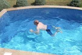Ruim privé zwembad van 6 x 3 x 1,5m (L X B x D)