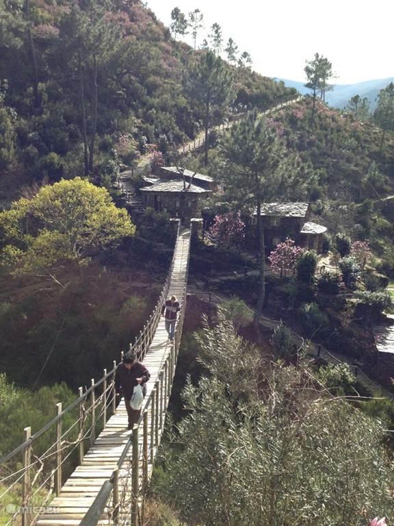 Knus oud stenen huisje in Portugese bergen voor ultieme rust