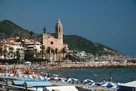 Sitges, de fancy place-to-be! Zon, zee, strand, lekker uit eten, slenteren op de boulevard of het veelzijdige nachtleven!