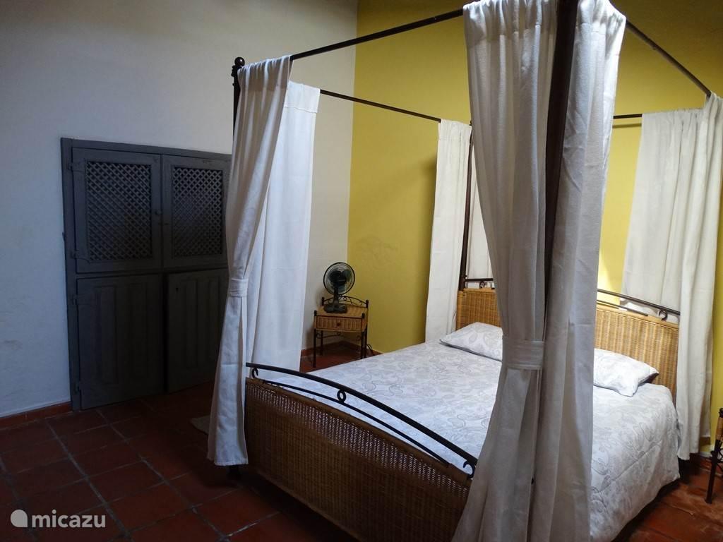 De slaapkamer van Flores