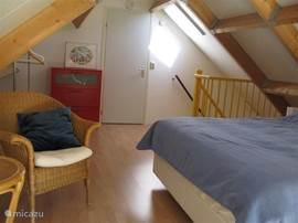Slaapkamer 1 met 2 persoons-box-springbed