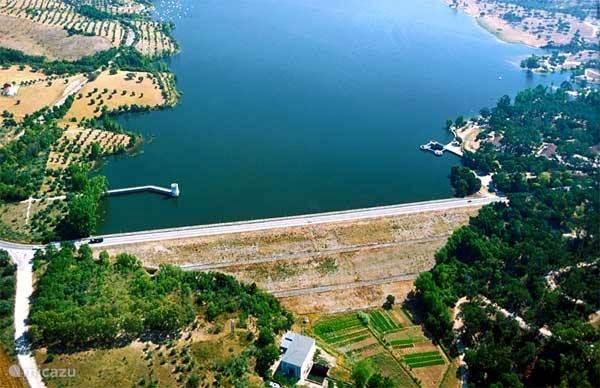 In de grote watertanks van het Fluviário de Mora wachten de bewoners van de rivieren en de meren op uw komst! Het is het bezichtigen meer dan waard. De uitdaging ligt in het behoud en het beleven van het rivierleven!