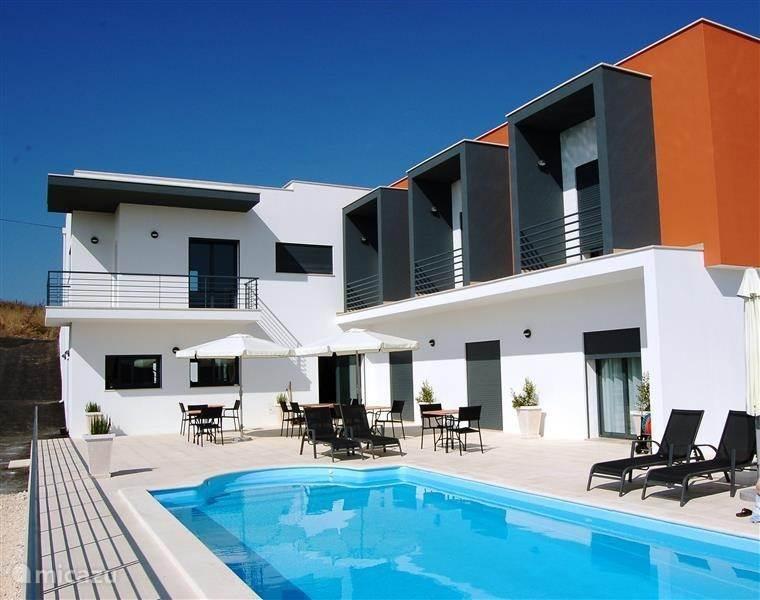 Vakantiehuis Portugal, Costa de Prata, Batalha Bed & Breakfast Casa Ceedina Bed and Breakfast