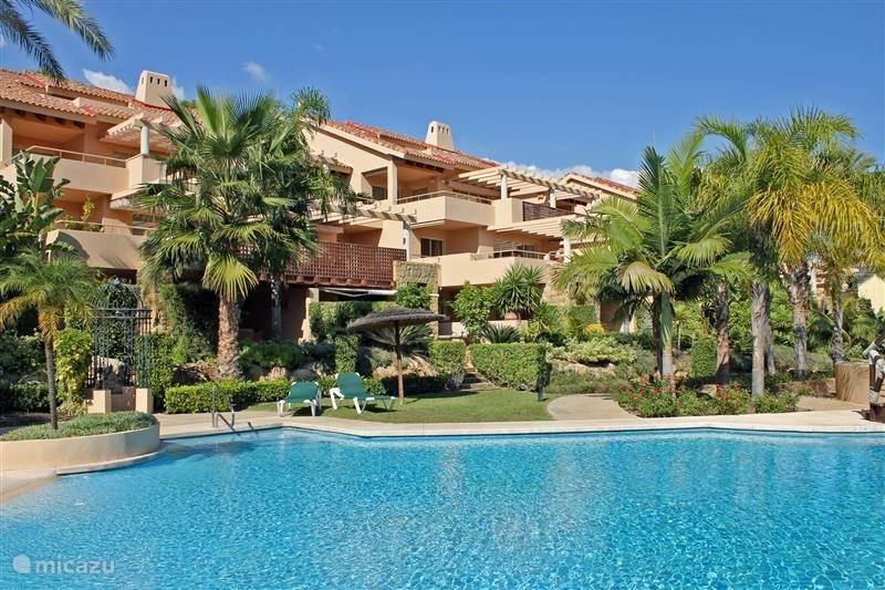 Urb. Golf Gardens / Rio Real, marbella /In de direkte omgeving