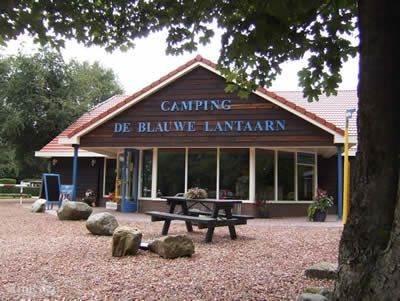 Gelegen op camping de Blauwe Lantaarn