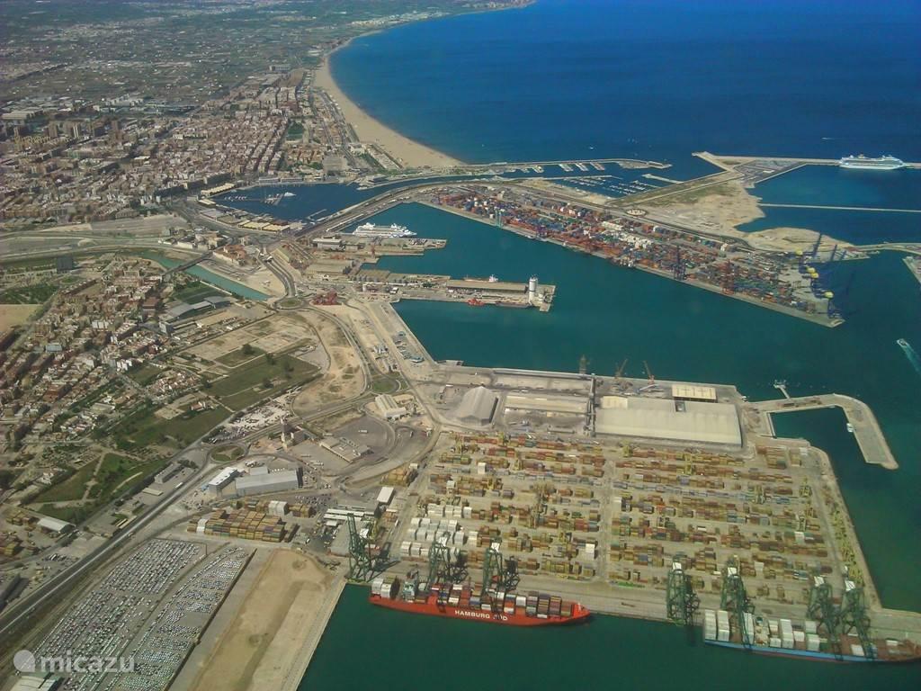 De haven van Valencia.