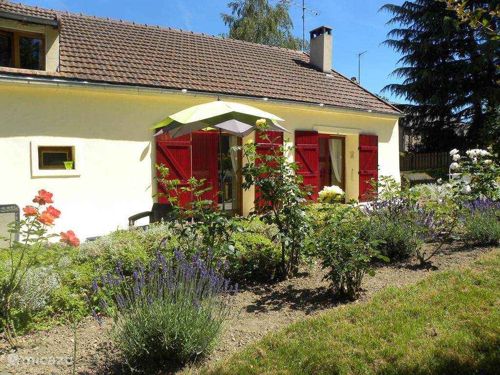 Vacation rental France, Burgundy, Chastellux sur Cure holiday house Le Papillon