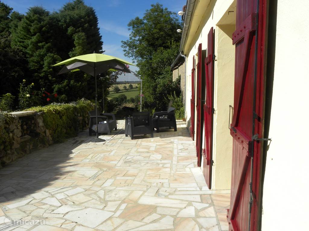 Vacation rental France, Burgundy, Chastellux-sur-Cure Holiday house Le Papillon