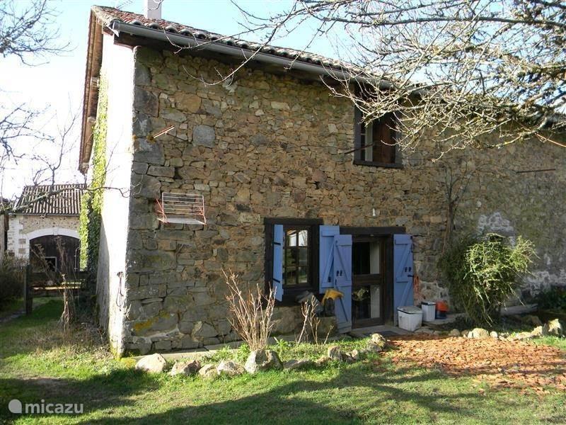 Vakantiehuis Frankrijk, Haute-Vienne, Maisonnais-sur-Tardoire Boerderij Vieux Château