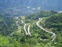 De 21 bochten van de Alpe d'Huez. De grote uitdaging van alle fietsers. Vanuit Chalet Solneige bent u er zó. En er zijn nog veel meer mooie fietstochten te maken in de omgeving.