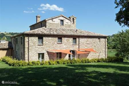 Vakantiehuis Italië, Marche, Pergola - appartement Casale Eline