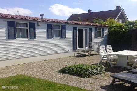 Vakantiehuis Nederland, Noord-Brabant, Eindhoven stacaravan 6 p. Chalet met 3 slaapkamers