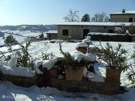 In Toscane geldt in de winter op veel plaatsen de verplichting om sneeuwkettingen bij je te hebben.