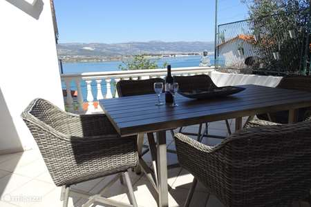 Vacation rental Croatia, Dalmatia, Trogir holiday house ciovo