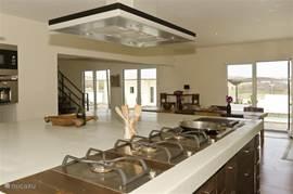 Imposante keuken voorzien van alle luxe