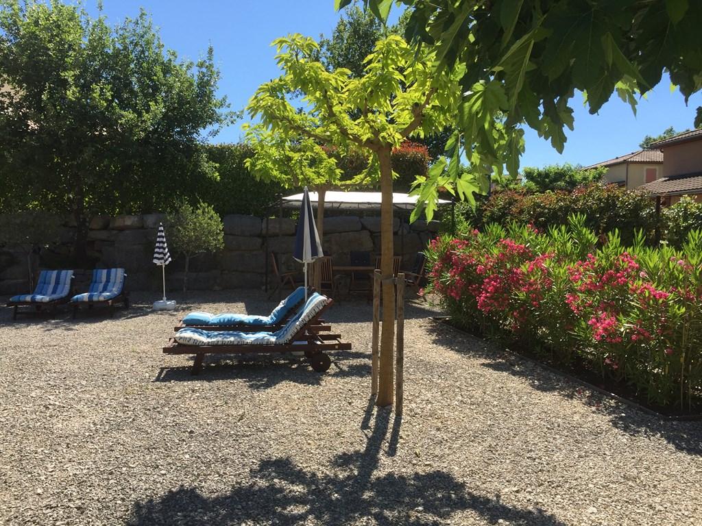 Vrijstaand vakantiehuis met airco aan Ardèche in 4* park Domeine les Rives de l'Ardeche van 1/7 tot 8/7 nu 10% korting van € 925,- voor  €832,- per wk