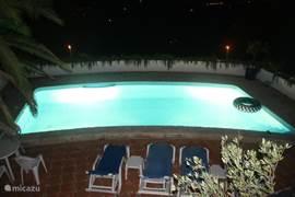 El Puput bij nacht