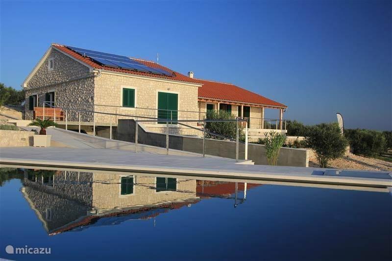 Vakantiehuis Kroatië, Dalmatië – villa Hideaway Villa Zizanj