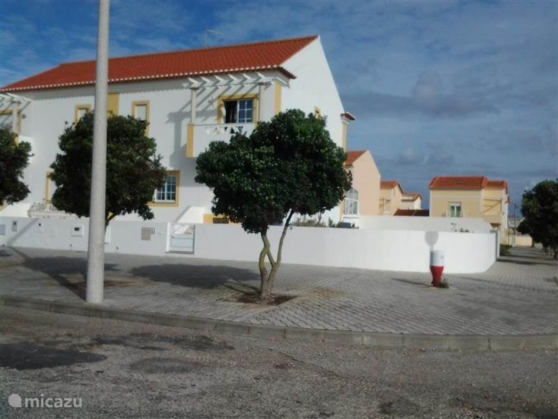 Vakantiehuis Portugal, Costa de Prata, Peniche bungalow Villa aan het strand