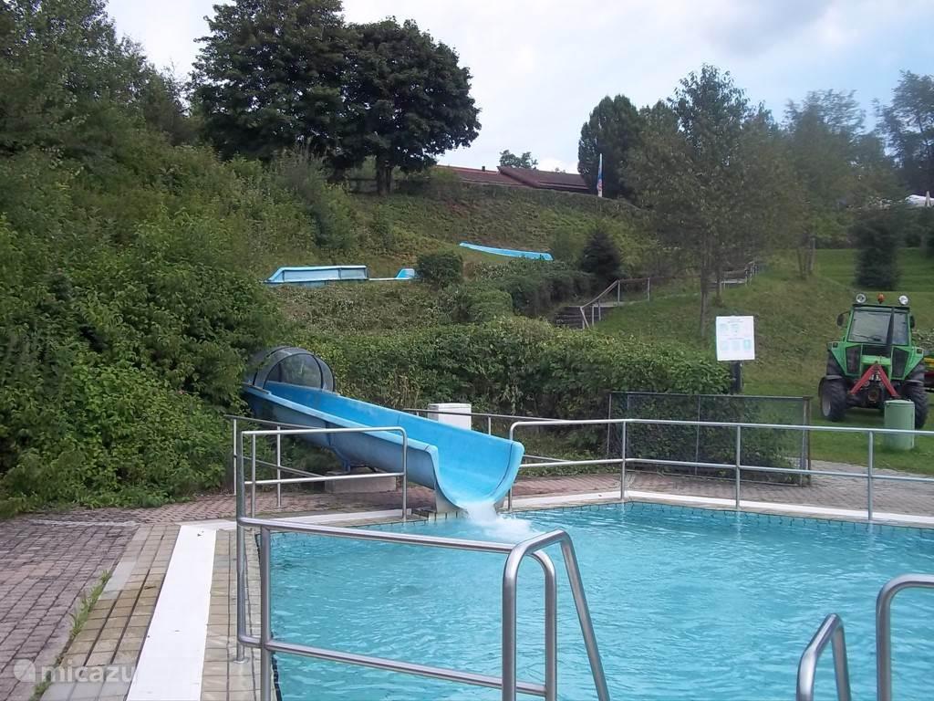 Openlucht zwembad stuwmeer