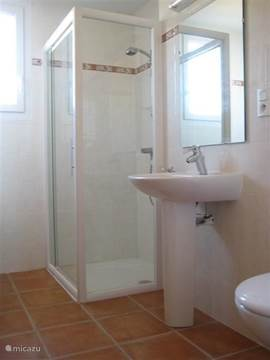 Villa villa le sanglier met priv zwembad in vallon pont darc ard che frankrijk huren for Moderne toiletartikelen