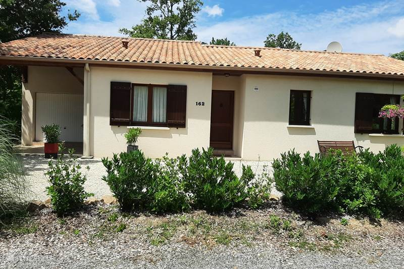 Vacation rental France, Charente, Écuras Holiday house Village Le Chat