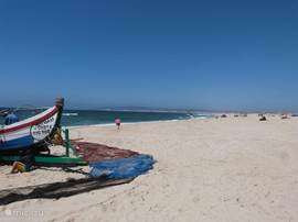 Op het strand, in de verte zie je Figueira da Foz.