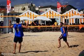 Sportief bezig zijn op het strand in Figueira da Foz