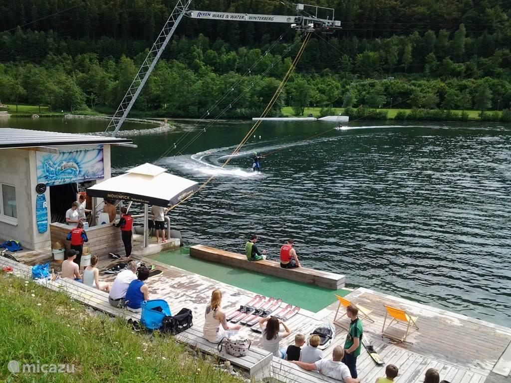 Mooi rond skien  over het water