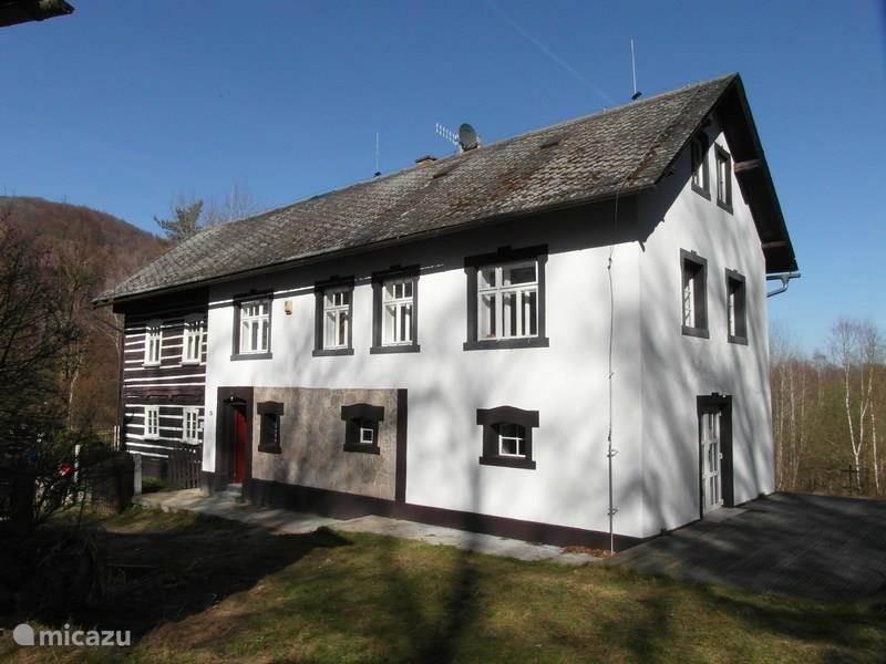 Vakantiehuis Tsjechië, Noord-Bohemen, Noviny pod Ralskem Villa Noviny pod Ralskem