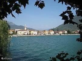 Een schitterend klein plaatsje aan het meer van Lugano Polezzo. Op de fiets is het een fantastisch ritje.