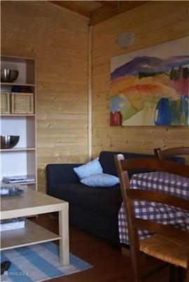 Huiskamer, praktisch, gezellig en gemakkelijk schoon te houden.