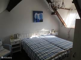slaapkamer 2 x 1 persoon bed