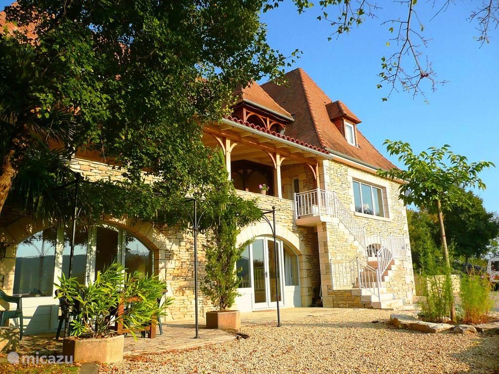 Vacation rental France, Dordogne, Beynac-et-Cazenac holiday house Jane