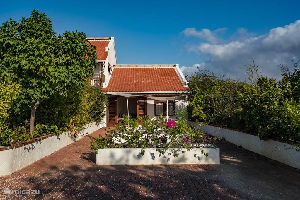 Vacation rental Curaçao, Banda Abou (West), Sint Willibrordus Pension / Guesthouse / Private room Villa San Sebastian guesthouse