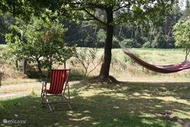 Heerlijk luieren in de schaduw in je eigen tuin!