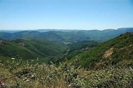 Prachtige uitzichten vanaf de bergtoppen
