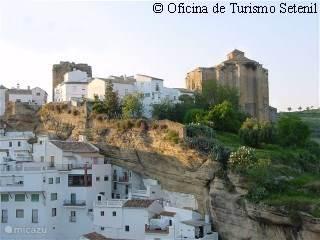 het mooie dorp setenil de las bodegas